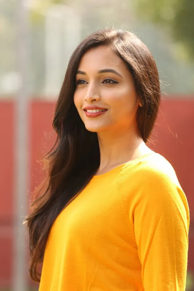 112+ Beautiful photos of Srinidhi Shetty 69
