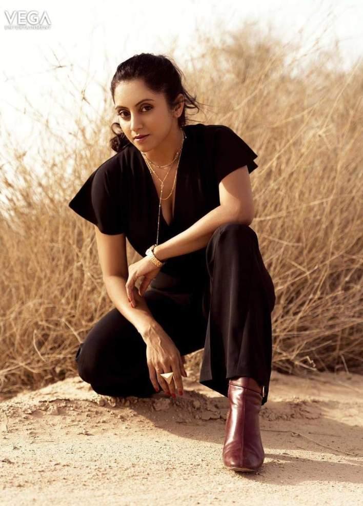 Sunita Varma Beautiful HD Photos 16