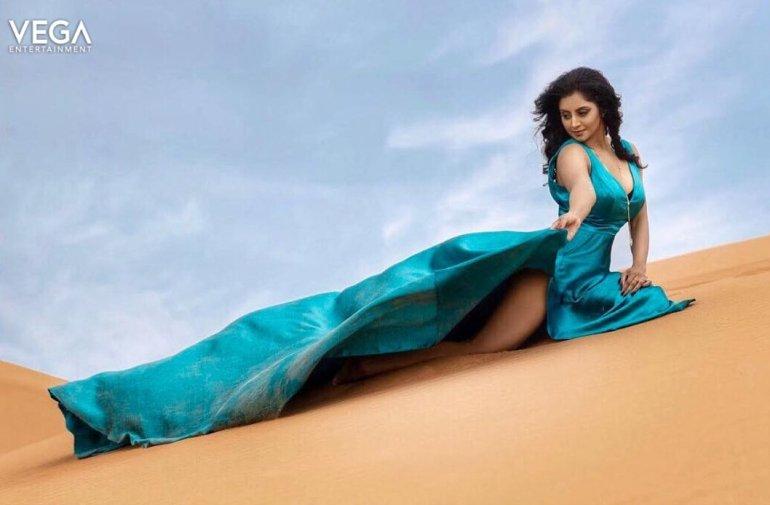 Sunita Varma Beautiful HD Photos 20