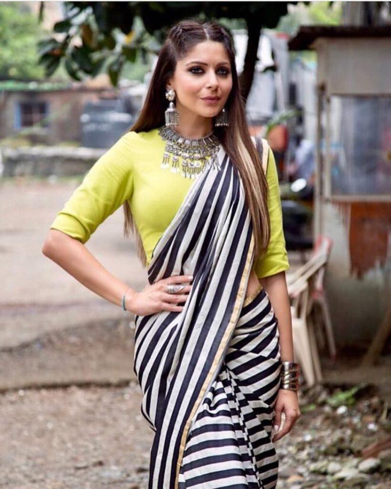 48+ Gorgeous HD Photos of Kanika Kapoor 127