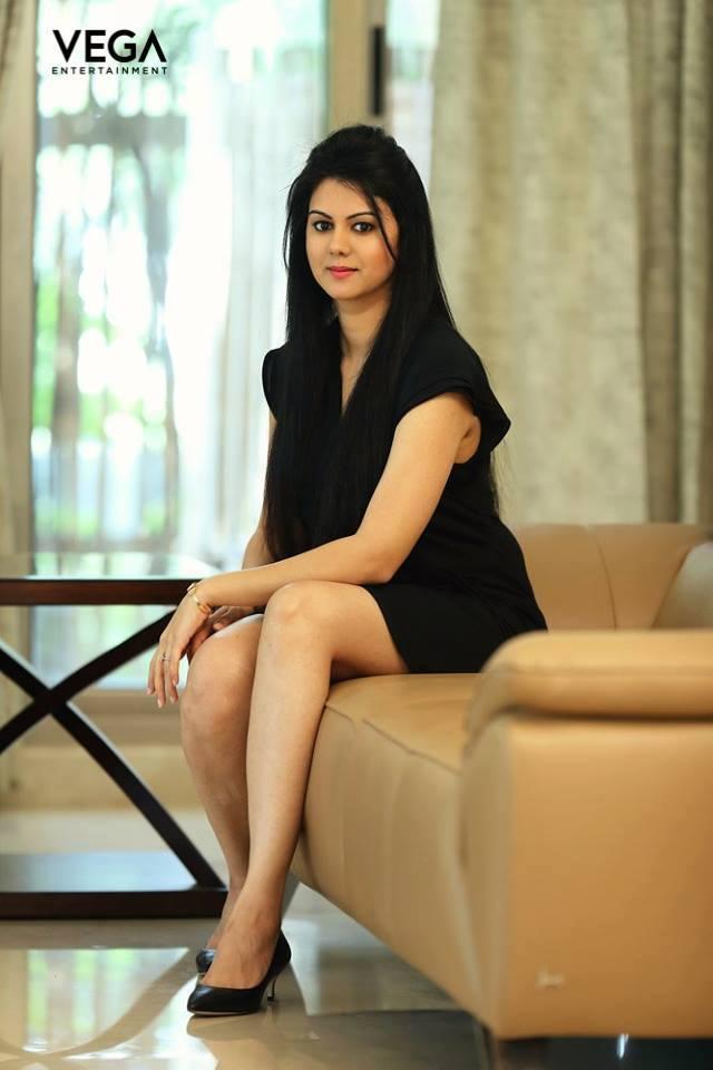 44+ Beautiful photos of Kamna Jethmalani 100