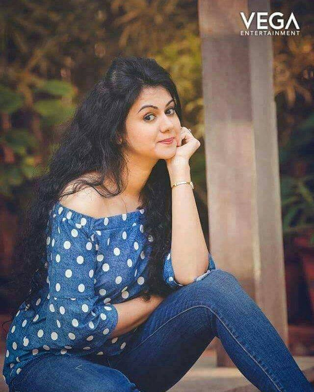 44+ Beautiful photos of Kamna Jethmalani 102