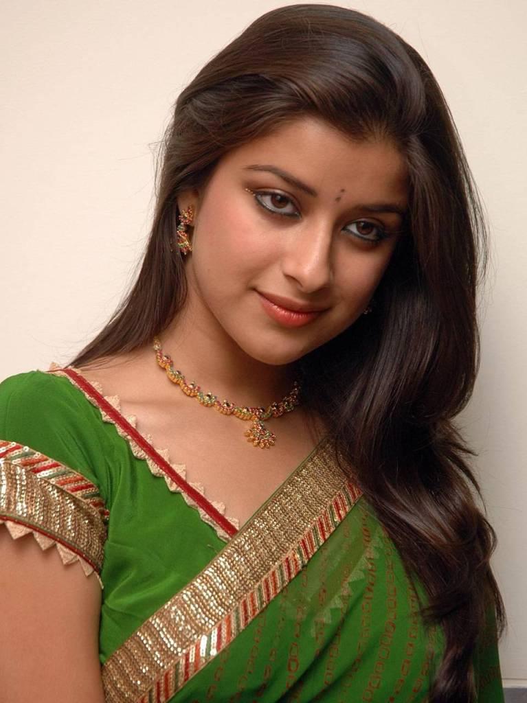 49+ Gorgeous Photos of Nyra Banerjee 97
