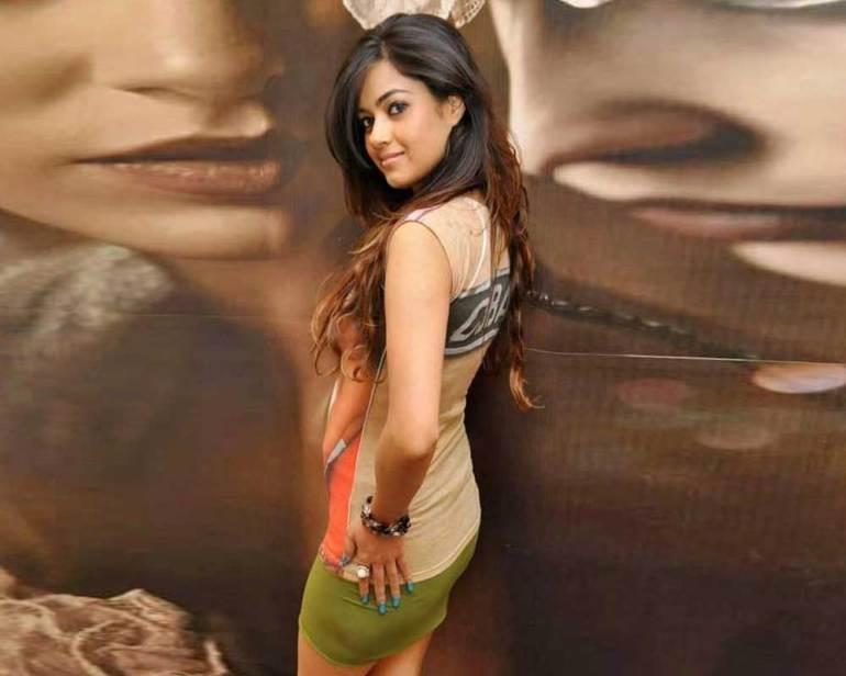 33+ Pretty Photos of Meera Chopra 86