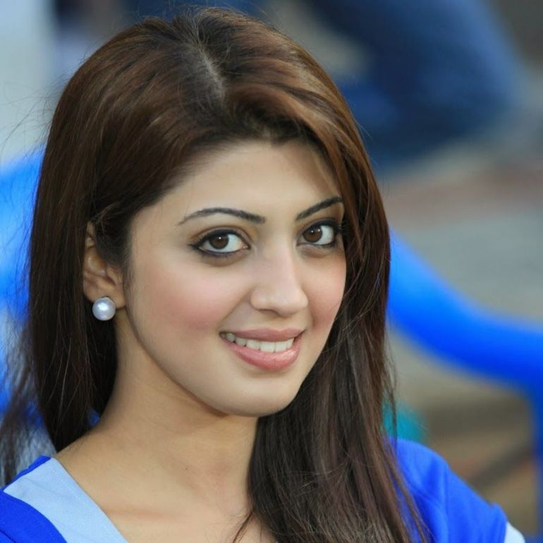 38+ Lovely Photos of Pranitha Subhash 106