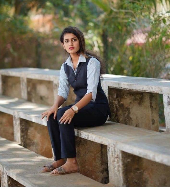108+ Cute Photos of Priya Prakash Varrier 11