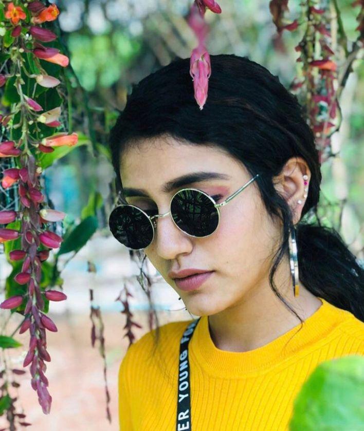 108+ Cute Photos of Priya Prakash Varrier 83