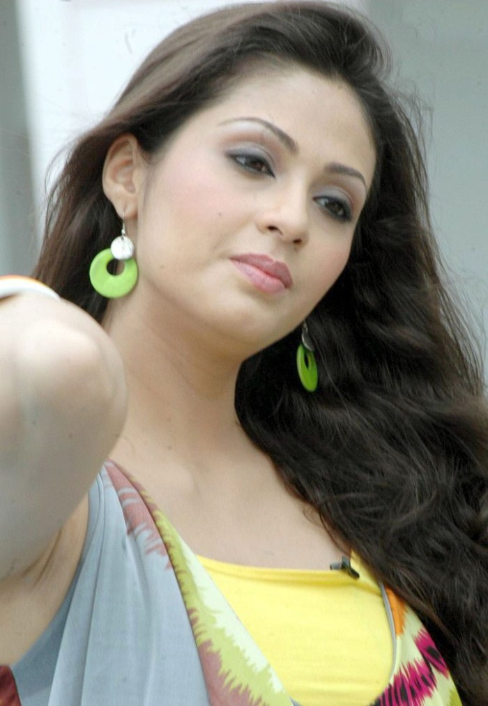 44+ Lovely Photos of Sadha 34
