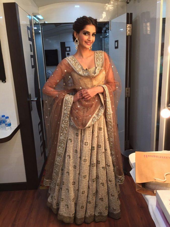 30+ Glamorous Photos of Sonam Kapoor 31