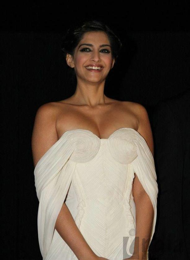 30+ Glamorous Photos of Sonam Kapoor 32