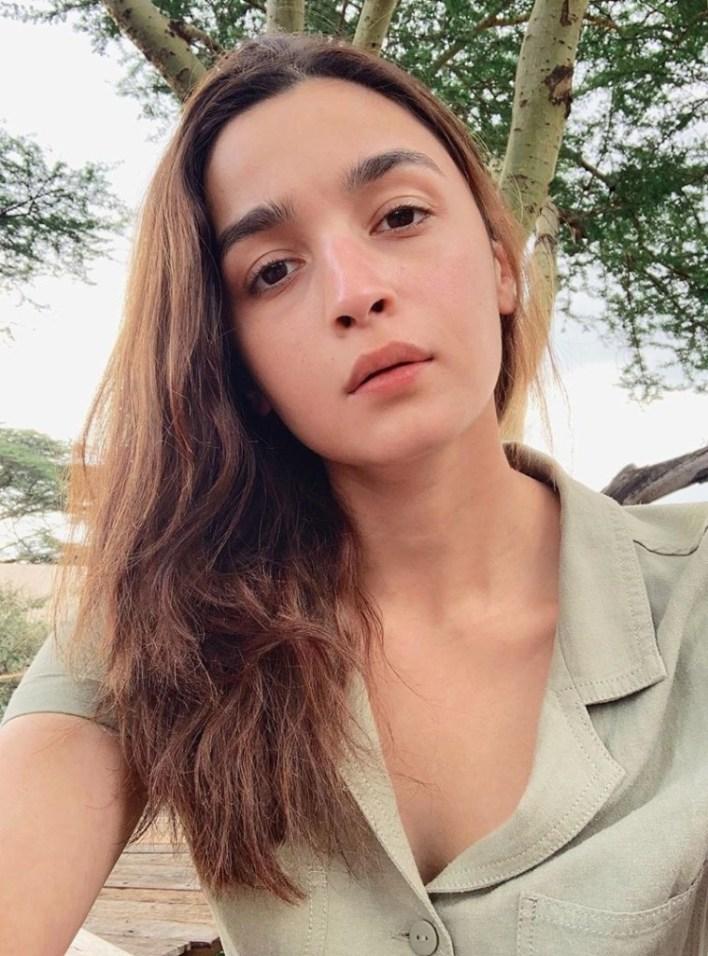 39+ Glamorous Photos of Alia Bhatt 4