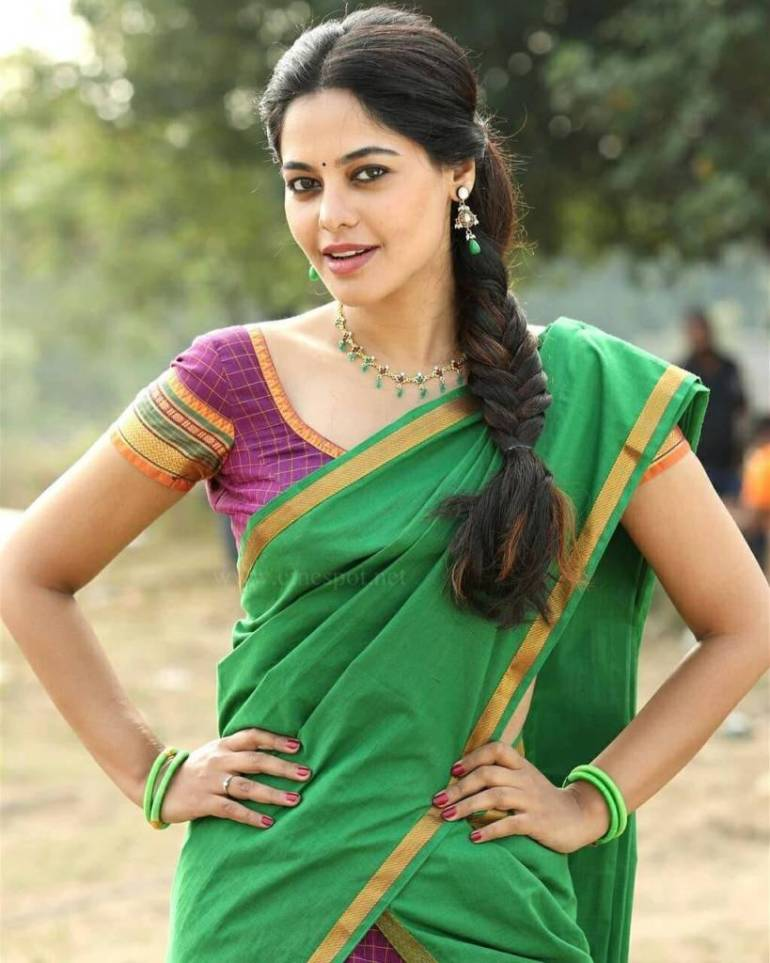 39+ Gorgeous Photos of Bindu Madhavi 17