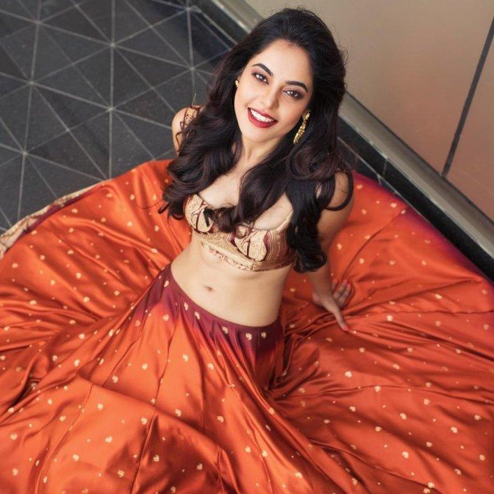39+ Gorgeous Photos of Bindu Madhavi 21