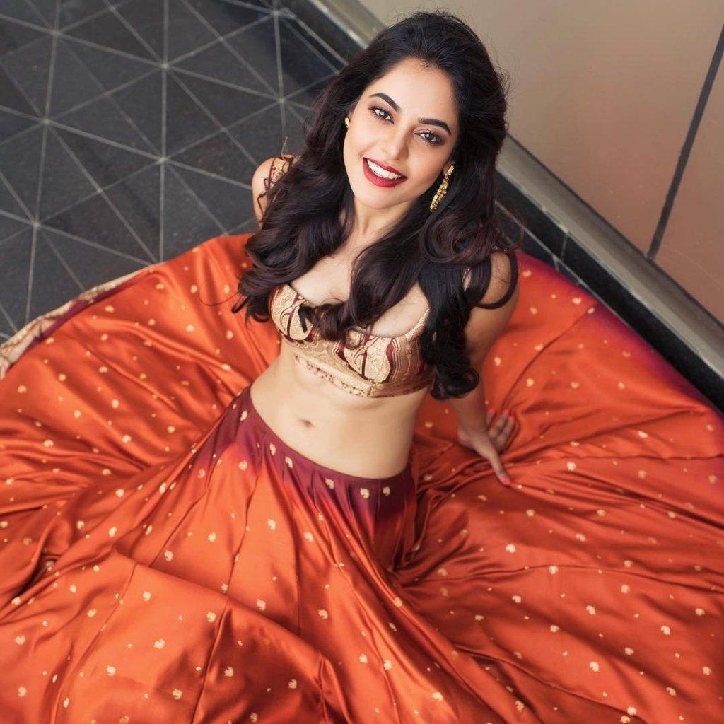 39+ Gorgeous Photos of Bindu Madhavi 22