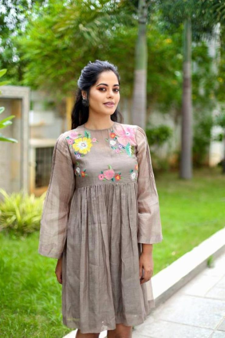 39+ Gorgeous Photos of Bindu Madhavi 35