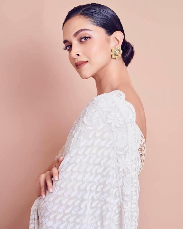 65+ Glamorous Photos of Deepika Padukone 12