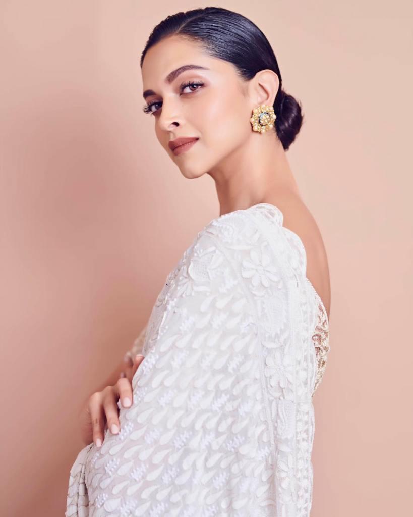 65+ Glamorous Photos of Deepika Padukone 13