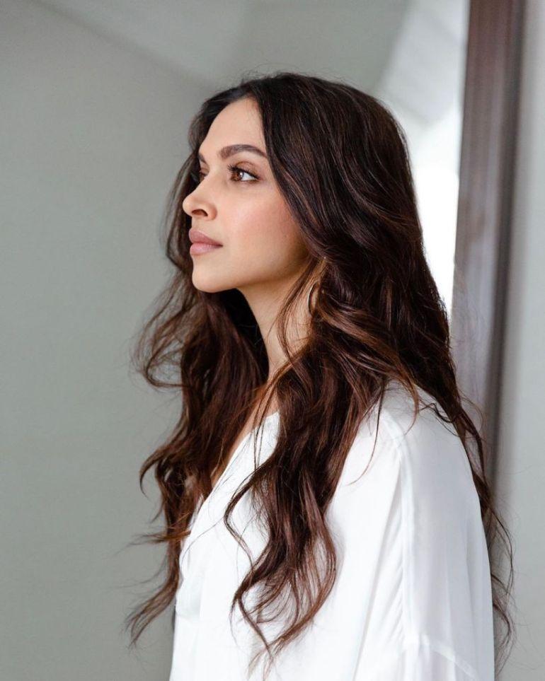 65+ Glamorous Photos of Deepika Padukone 36