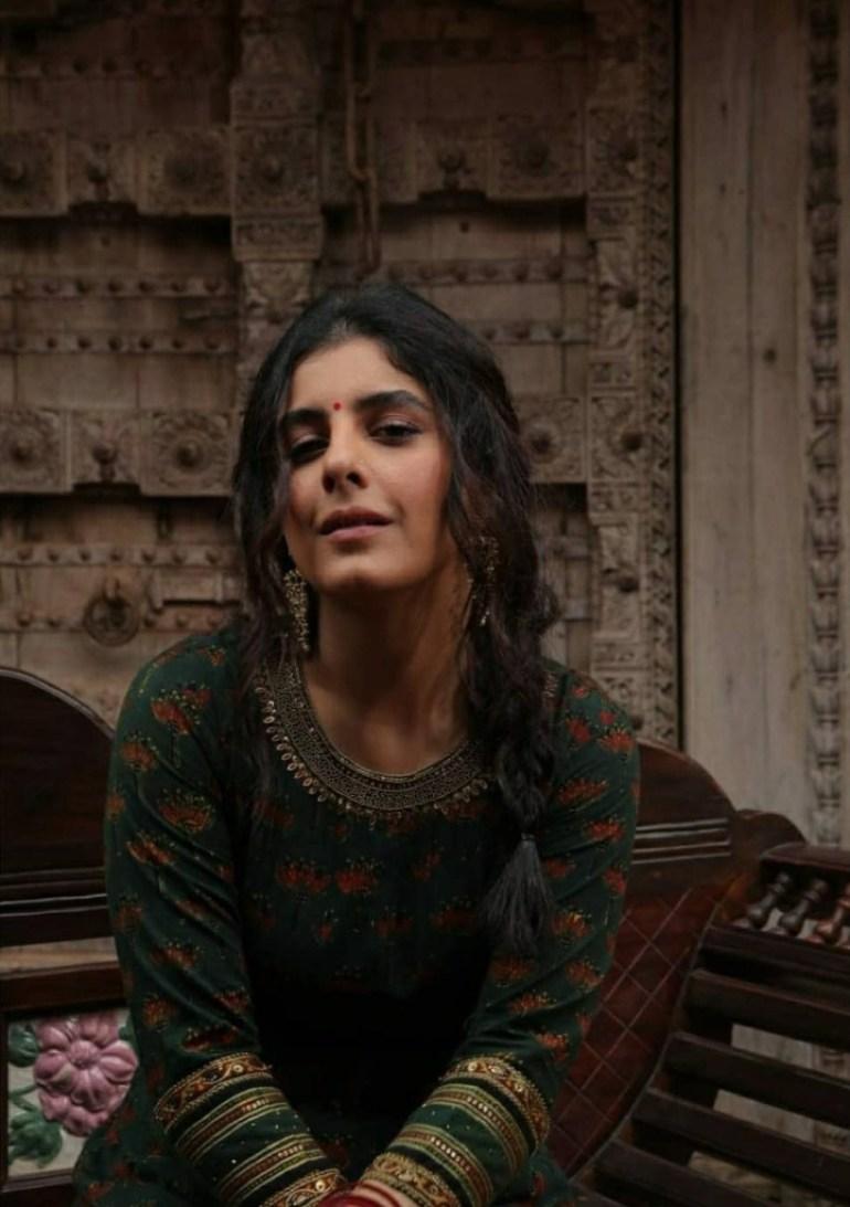 42+ Glamorous Photos of Isha Talwar 57