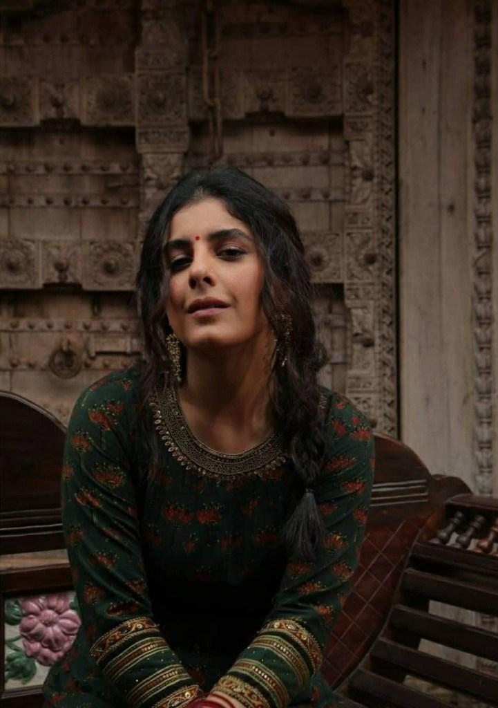 42+ Glamorous Photos of Isha Talwar 13