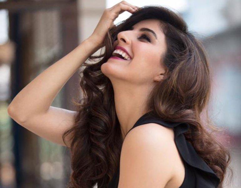 42+ Glamorous Photos of Isha Talwar 105