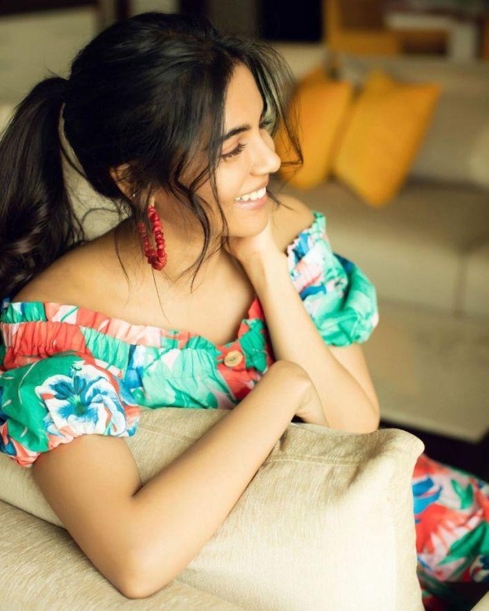 44+ Cute Photos of Kalyani Priyadarshan 17