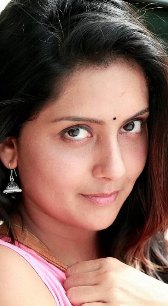 31 + Gorgeous Photos of Mahima Nambiar 26