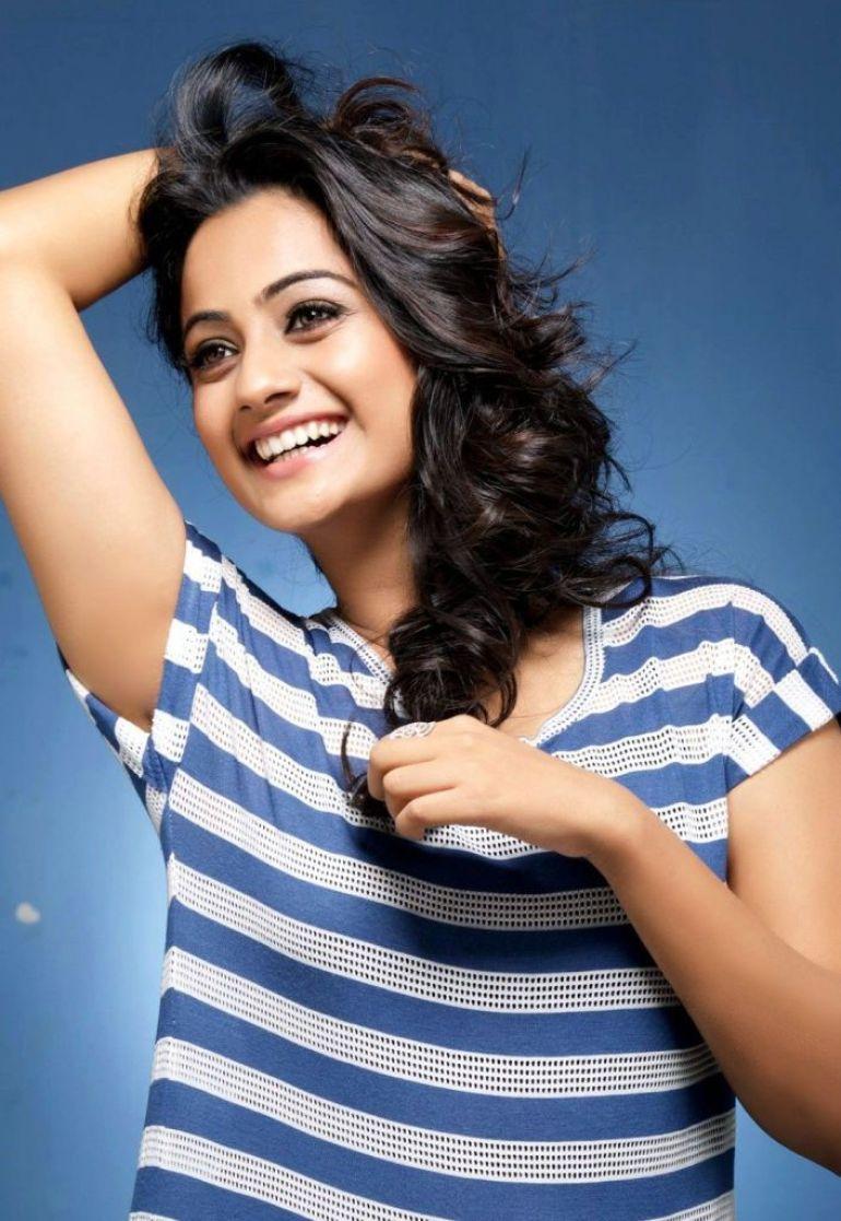 48+ Stunning Photos of Namitha Pramod 3