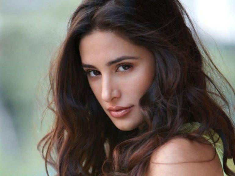 51+ Glamorous Photos of Nargis Fakhri 114