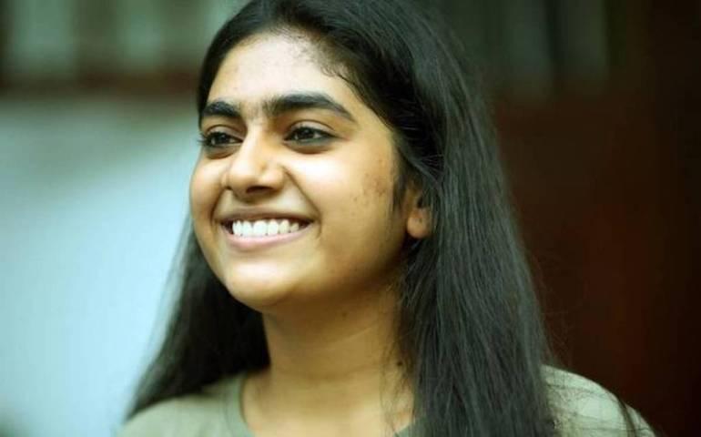 39+ Gorgeous Photos of Nimisha Sajayan 88
