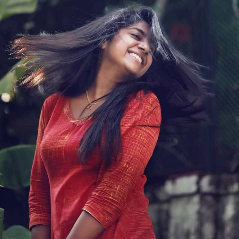 39+ Gorgeous Photos of Nimisha Sajayan 117