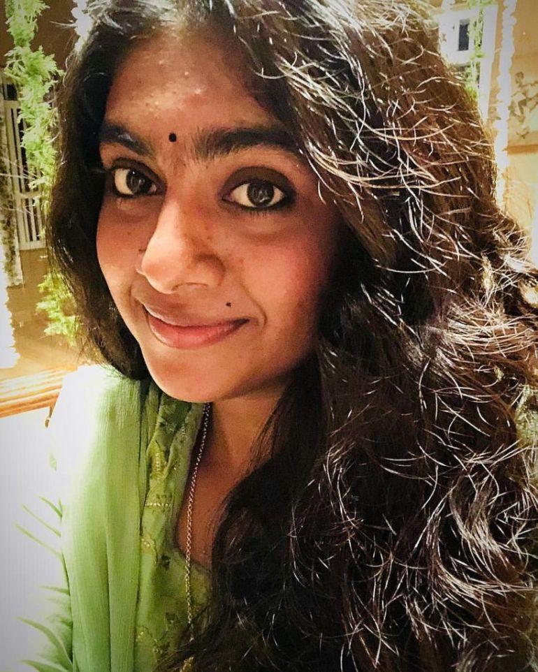 39+ Gorgeous Photos of Nimisha Sajayan 124