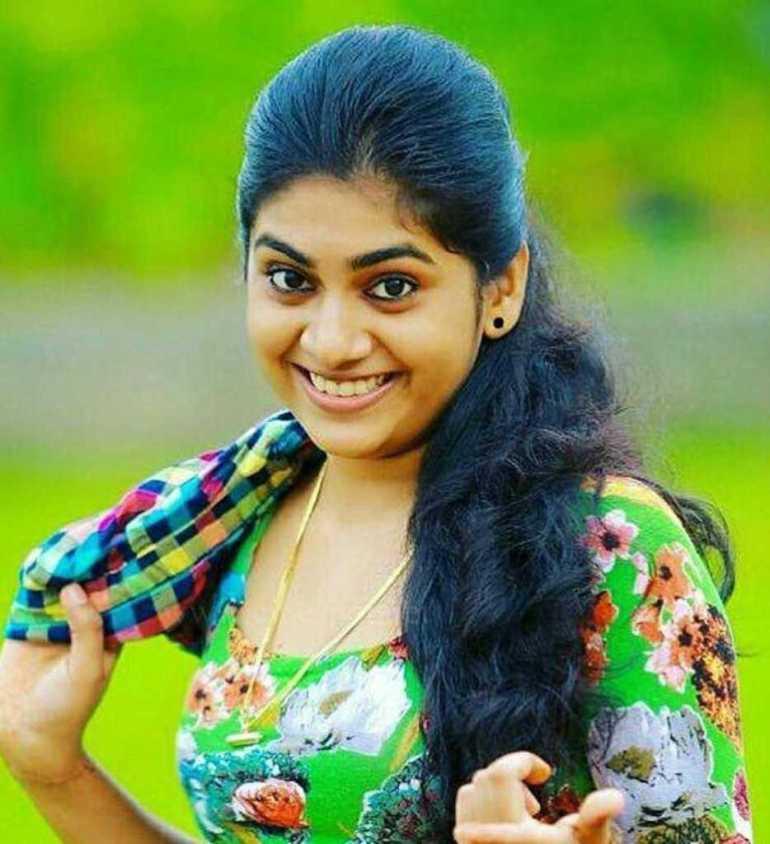 39+ Gorgeous Photos of Nimisha Sajayan 7