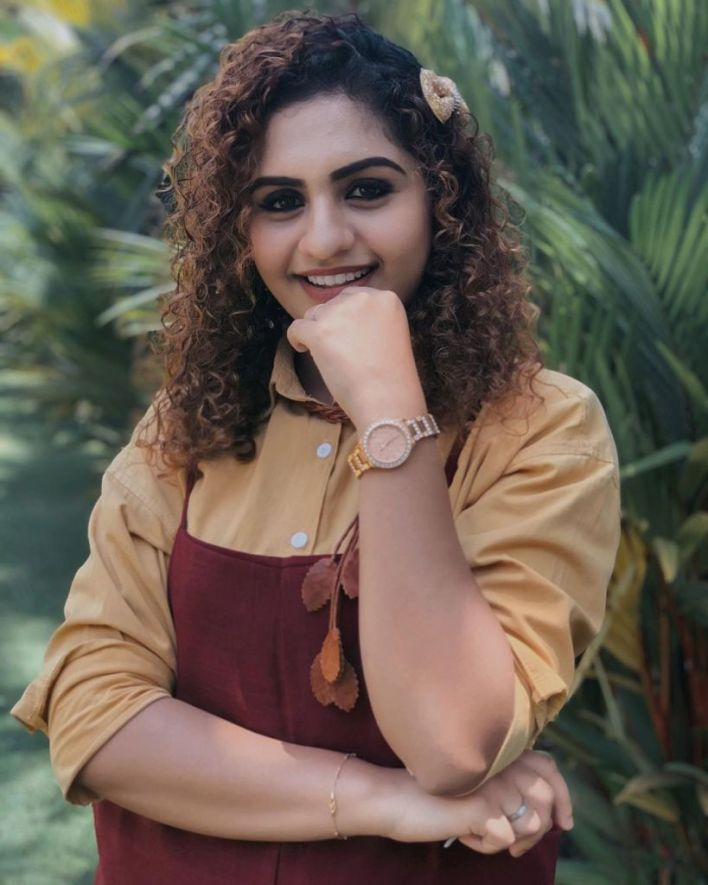 27+ Charming Photos of Noorin Shereef 4