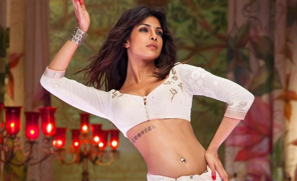 31+ Glamorous Photos of Priyanka Chopra 19