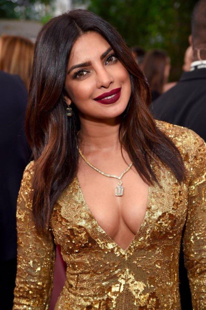 31+ Glamorous Photos of Priyanka Chopra 20