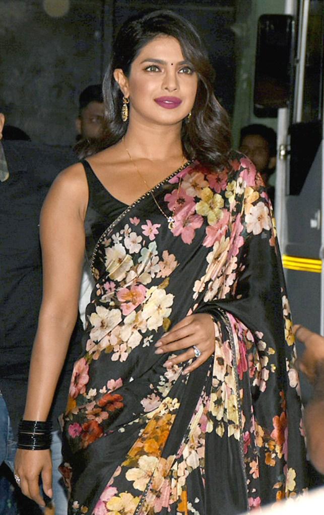 31+ Glamorous Photos of Priyanka Chopra 23
