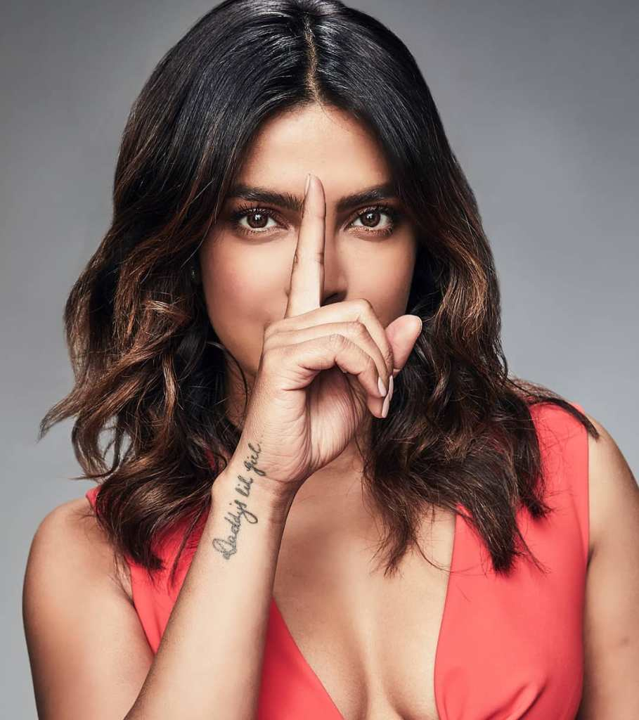 31+ Glamorous Photos of Priyanka Chopra 7