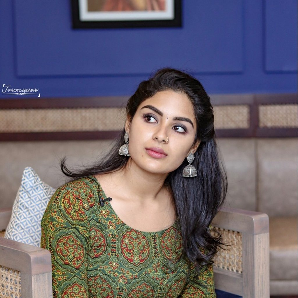30+ Gorgeous Photos of Samyuktha Menon 10