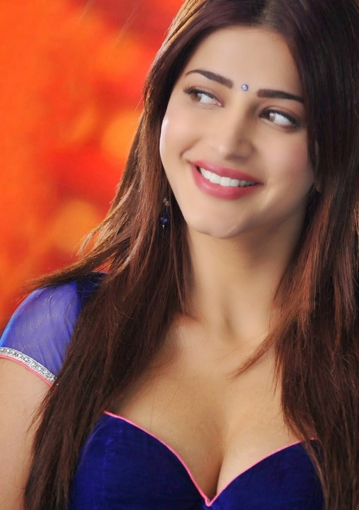 56+ Lovely Photos of Shruti Hassan 45