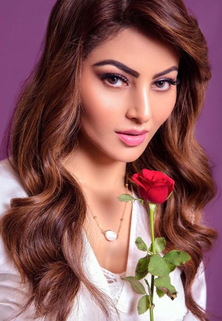 51+  Gorgeous Photos of Urvashi Rautela 6