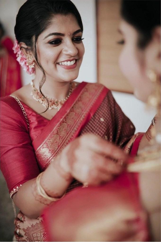53+ Gorgeous Photos of Aparna Balamurali 20