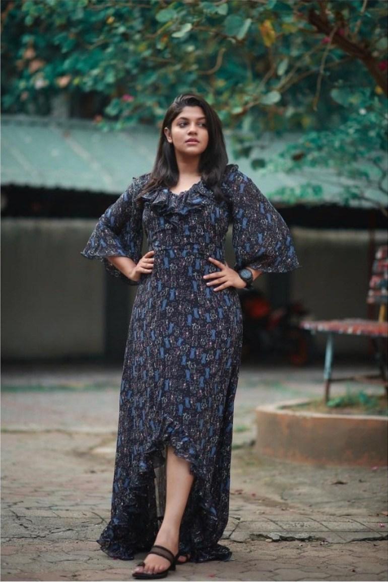53+ Gorgeous Photos of Aparna Balamurali 9