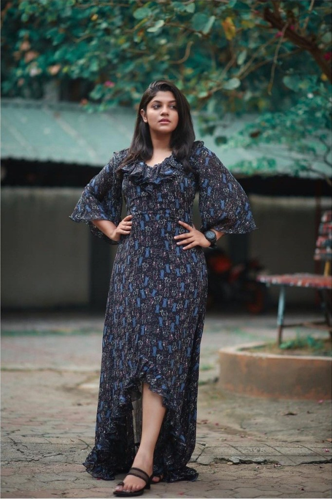 53+ Gorgeous Photos of Aparna Balamurali 10