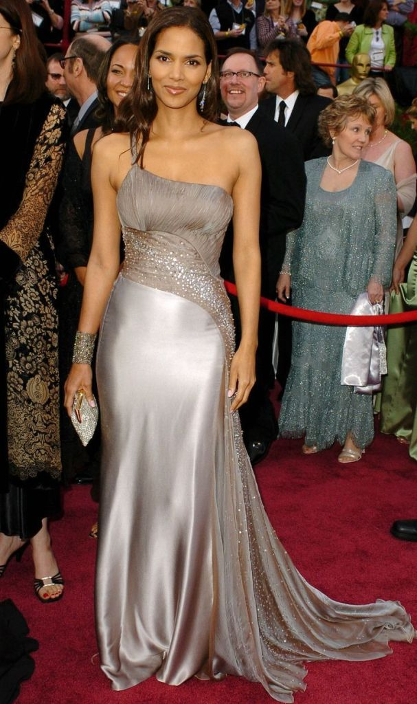 59+ Charming Photos of Halle Berry 22