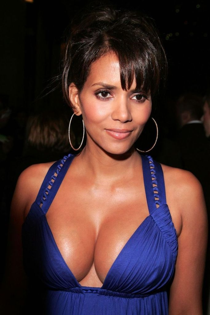 59+ Charming Photos of Halle Berry 111