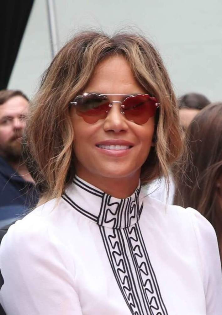 59+ Charming Photos of Halle Berry 37