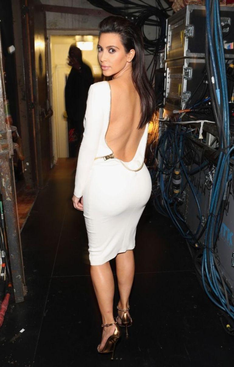 45+ Glamorous Photos of Kim Kardashian 44