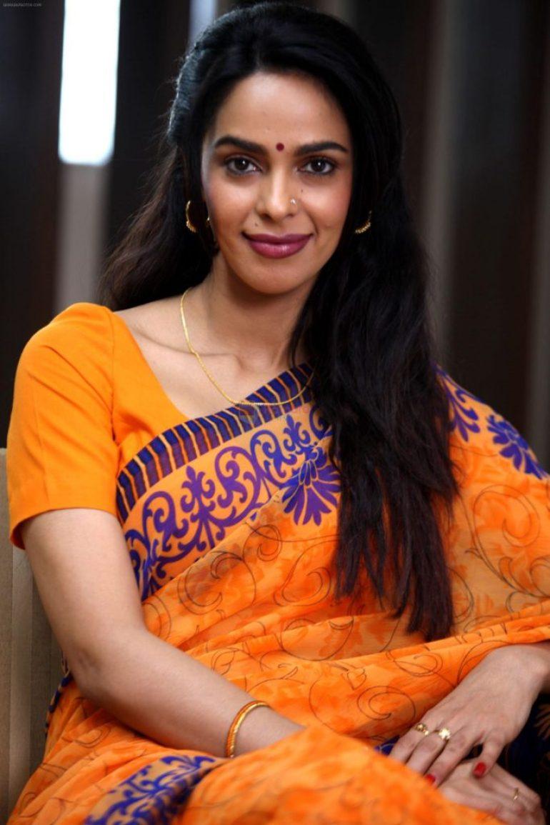 29+ Beautiful Photos of Mallika Sherawat 13