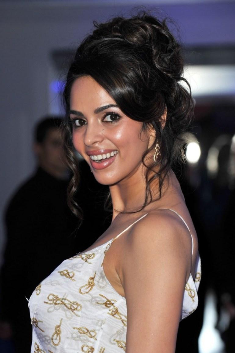 29+ Beautiful Photos of Mallika Sherawat 15